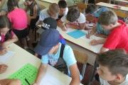 У пришкільному таборі  пізнавали світ професій