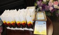 Подяки, квіти, подарунки працівникам культури з нагоди професійного свята